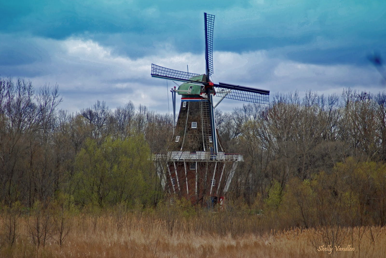 holland michigan windmill