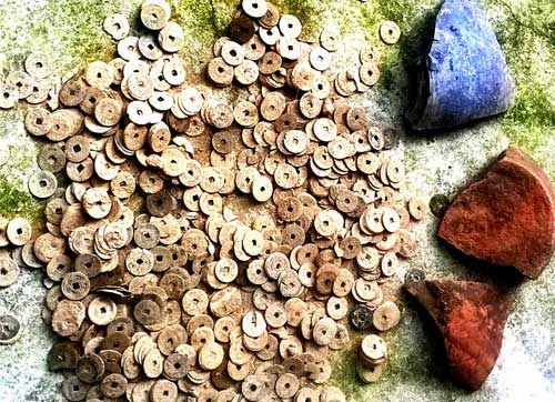 Hà tĩnh: Phát hiện tiền cổ trong vườn nhà