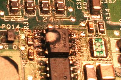 circuito integrado quemado en portátil