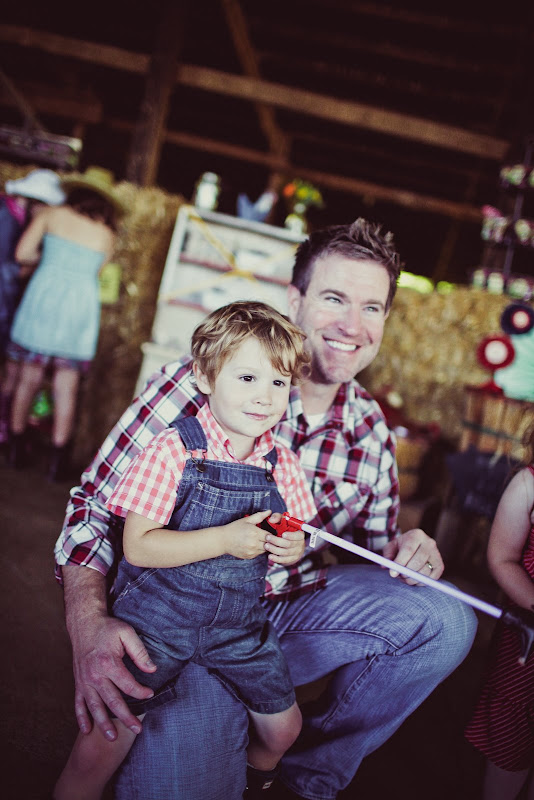 Down on the Farm: Hudson turns 3 | toddler birthday party ideas | birthday parties for boys | farm themed birthday party | how to throw a toddler birthday party | three year old birthday party ideas | birthday party ideas for kids || JennyCookies.com