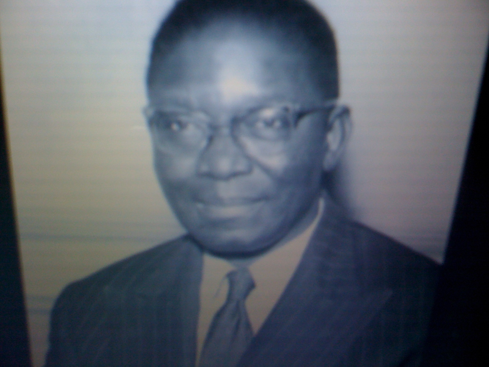 nnamdi azikiwe s contribution to educational development in nigeria Nnamdi azikiwe facts: nnamdi during these years he had continued to play the single most vigorous role in nigeria's he greatly expanded educational facilities.