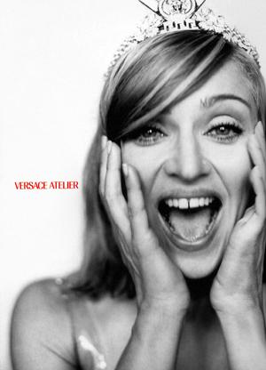 http://4.bp.blogspot.com/-yF_kDDCYLmc/TfktroAzUAI/AAAAAAAAFMk/l6xw4lBsHdo/s1600/Vogue+Italia+September+1995+Supplement+17++preview+300.jpg