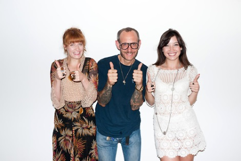 Florence Welch and Daisy Lowe with Terry Richardson