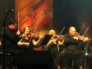Orquestra de Câmara da Ulbra no concerto Clássicos do Rock Nacional.