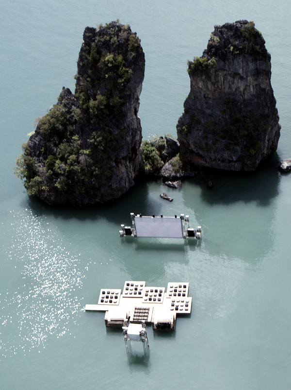Cinema in the middle of Ocean