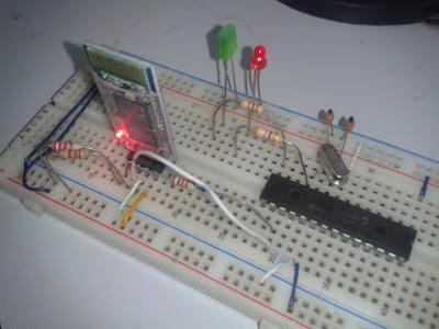 Microcontrolador PIC e Módulo Bluetooth HC-06