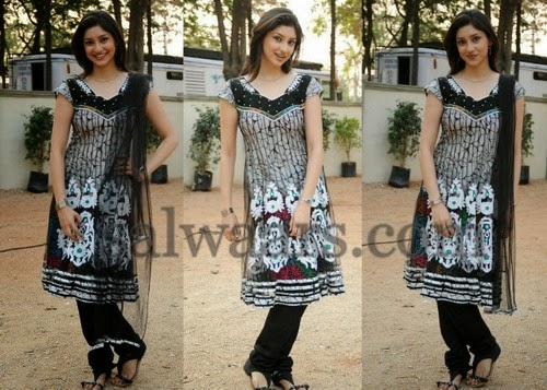 Tanvi Vyas Black Embroidered Churidar