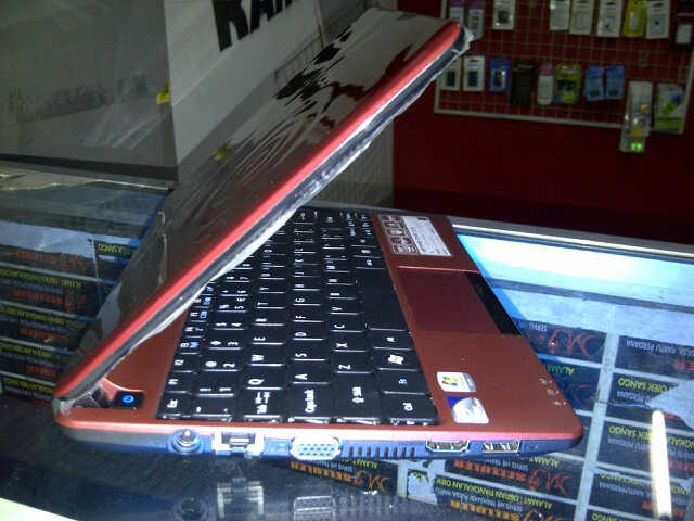 NETBOOK ACER ASPIRE ONE D270 ISTIMEWA