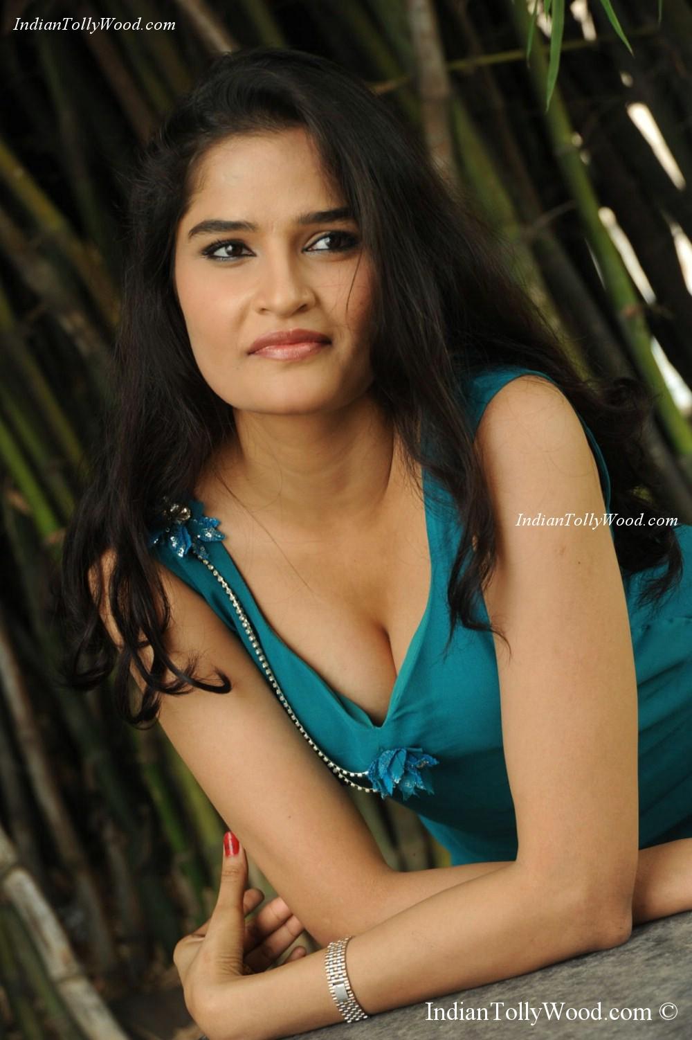 Sneha Thakur Hot Photos | Brunette teen doggystyle fuck