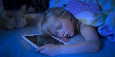 Awas !!! Saat Tidur, Jangan Dekatkan Ponsel Dekat Kepala