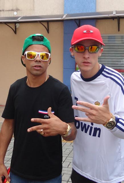 MC WILL SP E MC NEGUINHO DO CAXETA , JEITO DE ARLEQUINA E AS NOVINHA TÃO A MIL