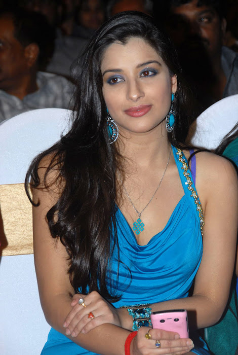 madhurima at mahankali audio launch, madhurima new hot photoshoot