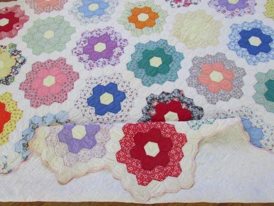 MessyJesse - a quilt blog by Jessie Fincham: English Paper Piecing ... : finishing a hexagon quilt - Adamdwight.com