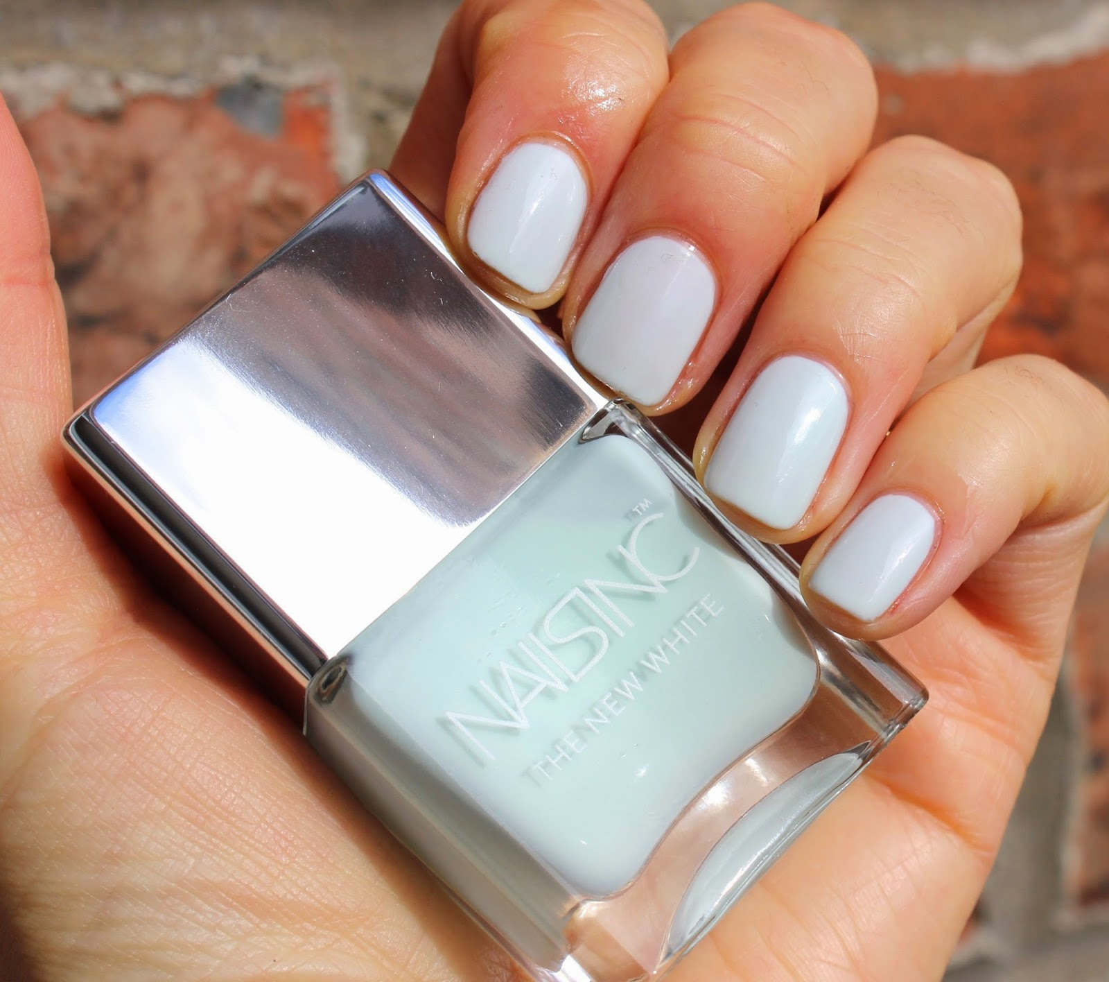 BEAUTY & LE CHIC: Nails Inc Swan Street - Future Cult Classic