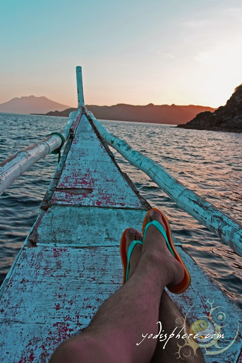 hover_share A very relaxing calm boat ride with scenic view of Mt. Malindig in Marinduque