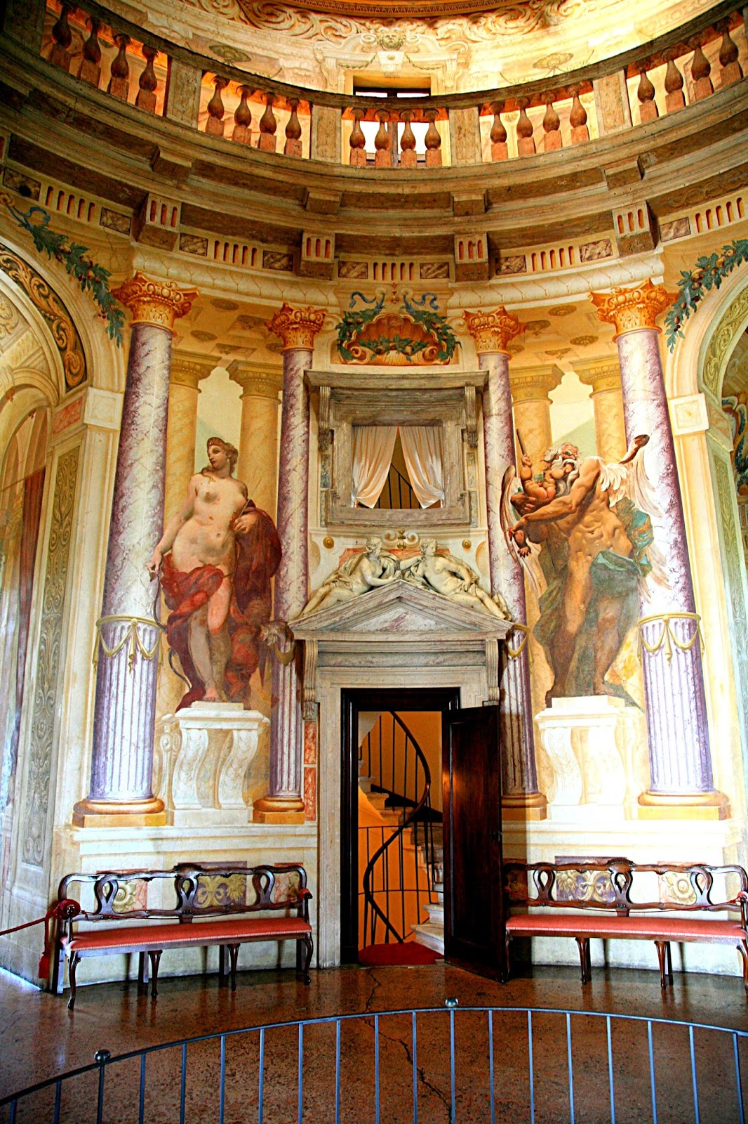Palladio villa rotunda interior