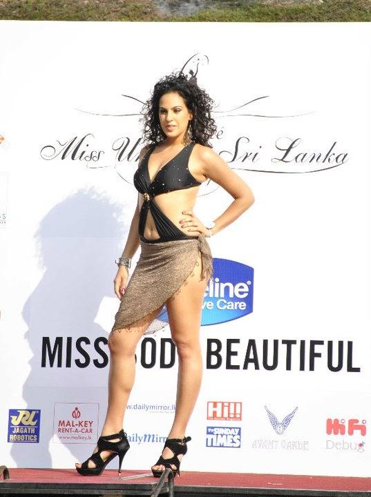 Stephanie Siriwardhana sexy bikini