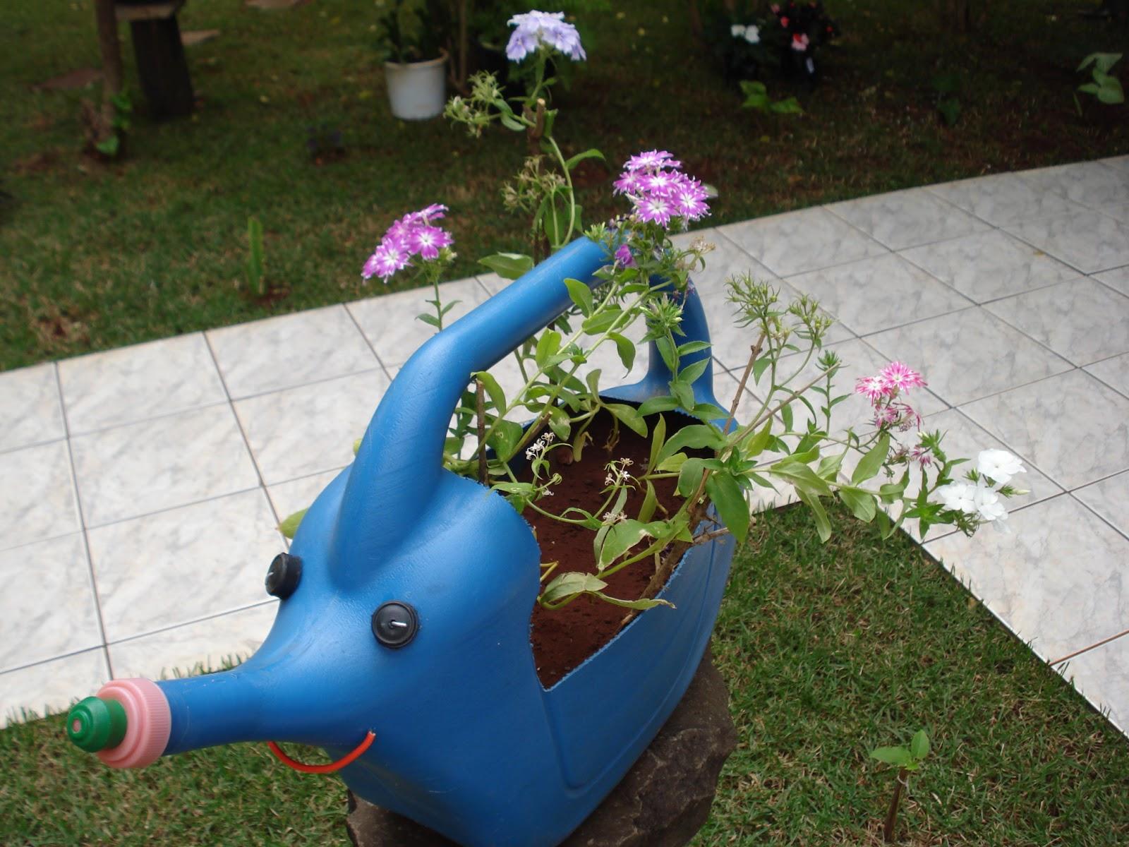 jardins ideias criativas:Do avental ao salto alto: Ideias criativas para seu jardim