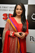Anushka at rudramadevi trailer launch-thumbnail-2