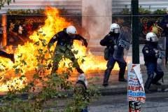 Kαζάνι που βράζει η Ελλάδα:4η πιο δυστυχισμένη χώρα του κόσμου πάνω από τη...Συρία-Κυριαρχεί ο θυμός!