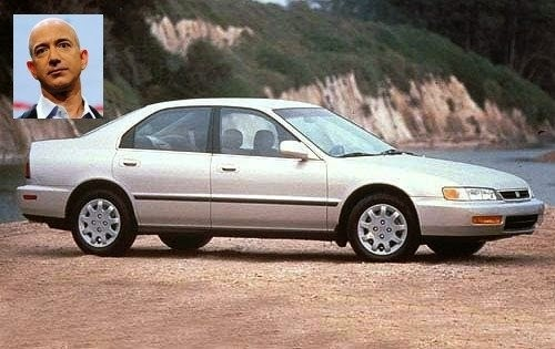 Jeff Bezos , president of the Amazon, rides Honda Accord 1996 The same model today costs about $ 4,000.