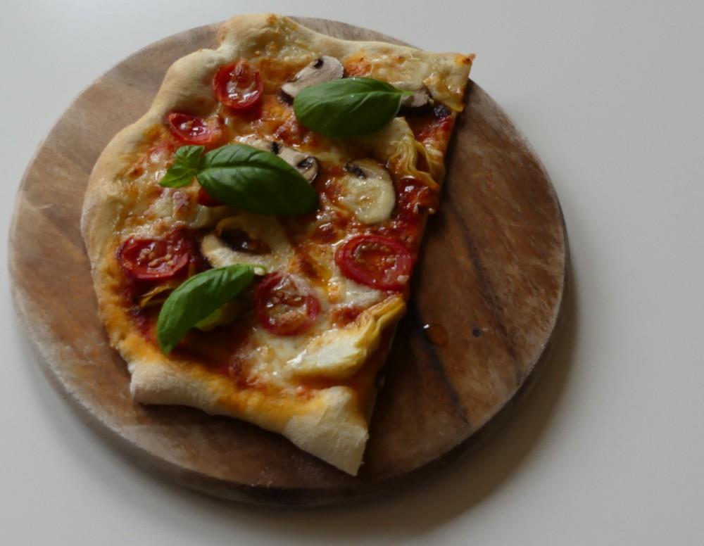 barbaras spielwiese pizza pomodoro funghi e mozzarella mit artisan pizzateig. Black Bedroom Furniture Sets. Home Design Ideas