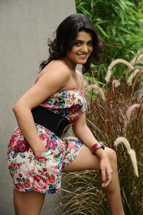 Awesome Photos of Tashu Kaushik - A South Beauty