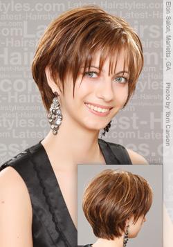 el pelo corto esta de moda y el flequillo es tendencia por muchas temporadas solo escoge tu estilo y vive el renovada y super atractiva