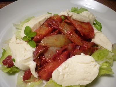 Roter Fenchel-Orangen-Salat mit Beerendressing