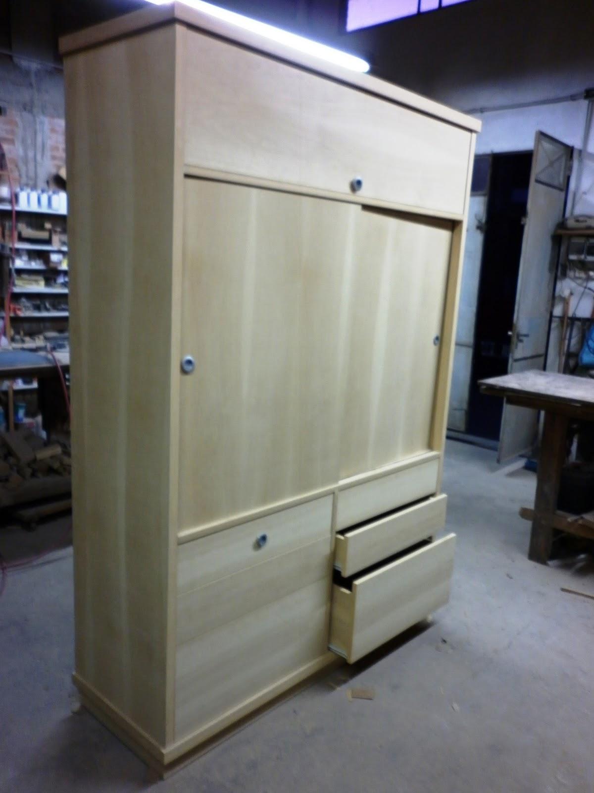 Reynaga muebles placard con cajones en guatambu - Muebles con puertas corredizas ...