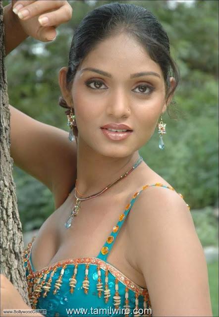 Deepa+Chari+-+BollywoodGo+(7)