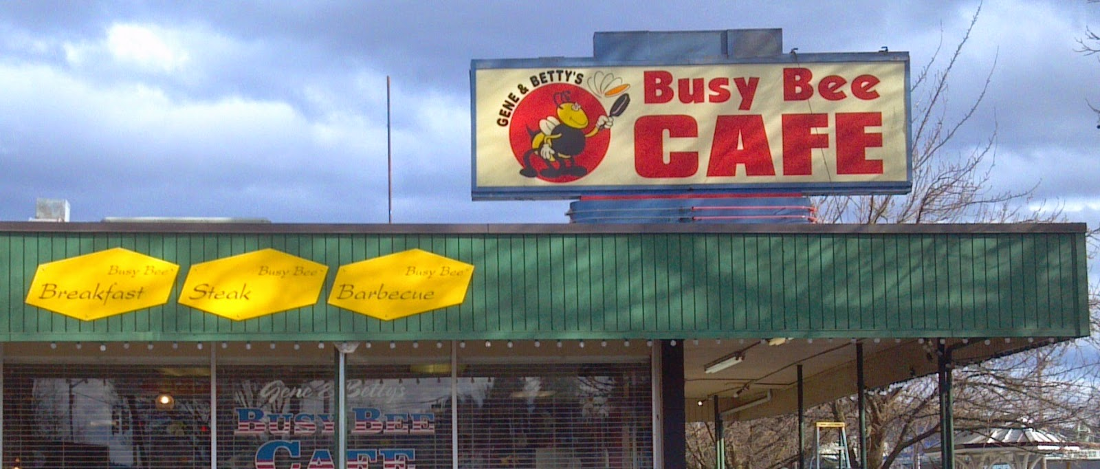 Busy Bee S Is A Favorite Haunt For Locals In Springfield The Breakfast Nuts From Eugene Come Here As Well Located On Main Street