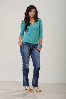 Actress Isha Chawla  Picture Shoot Pictures 015.jpg