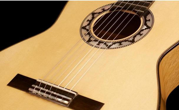 Điều cần thiết cho người học guitar 1