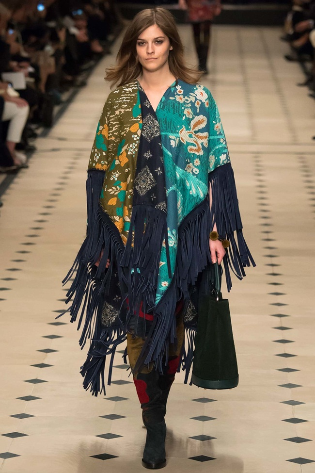 Burberry Prorsum 2015 AW Navy Patchwork Fringed Cape on Runway
