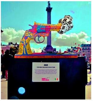 Londres: esculturas decoradas por varios embajadores de paz