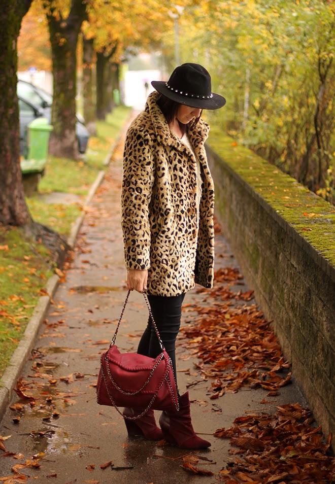 outfit trend fashionblogger leopard mantel newyorker supertrash highwaist bordeaux dunkelrot falballa chainbag 02
