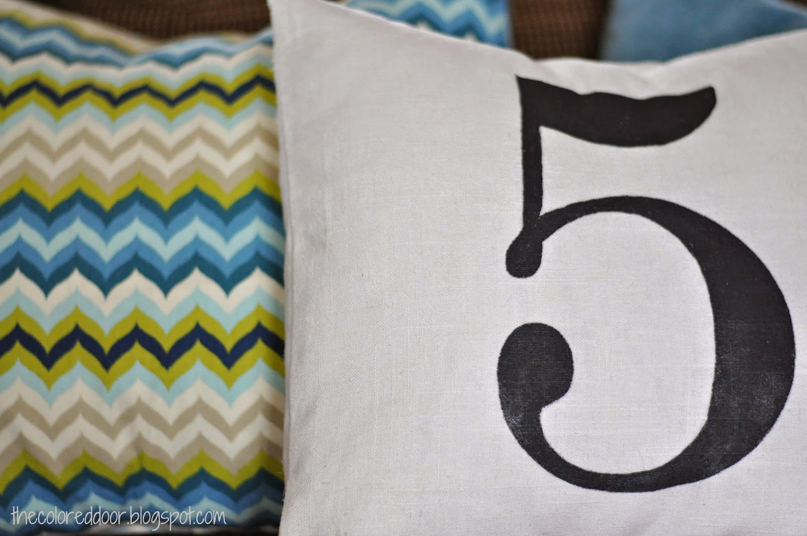 DIY painted no. pillow - the colored door