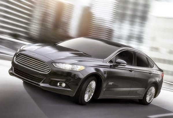 2015 Ford Fusion Hybrid Review