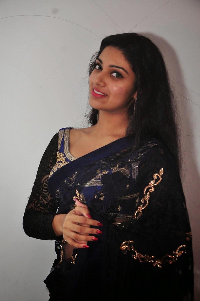 Avanthika glamorous photos in saree-HQ-Photo-10