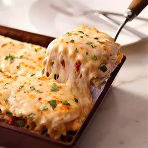 Creamy White Chicken Alfredo Lasagna Recipe
