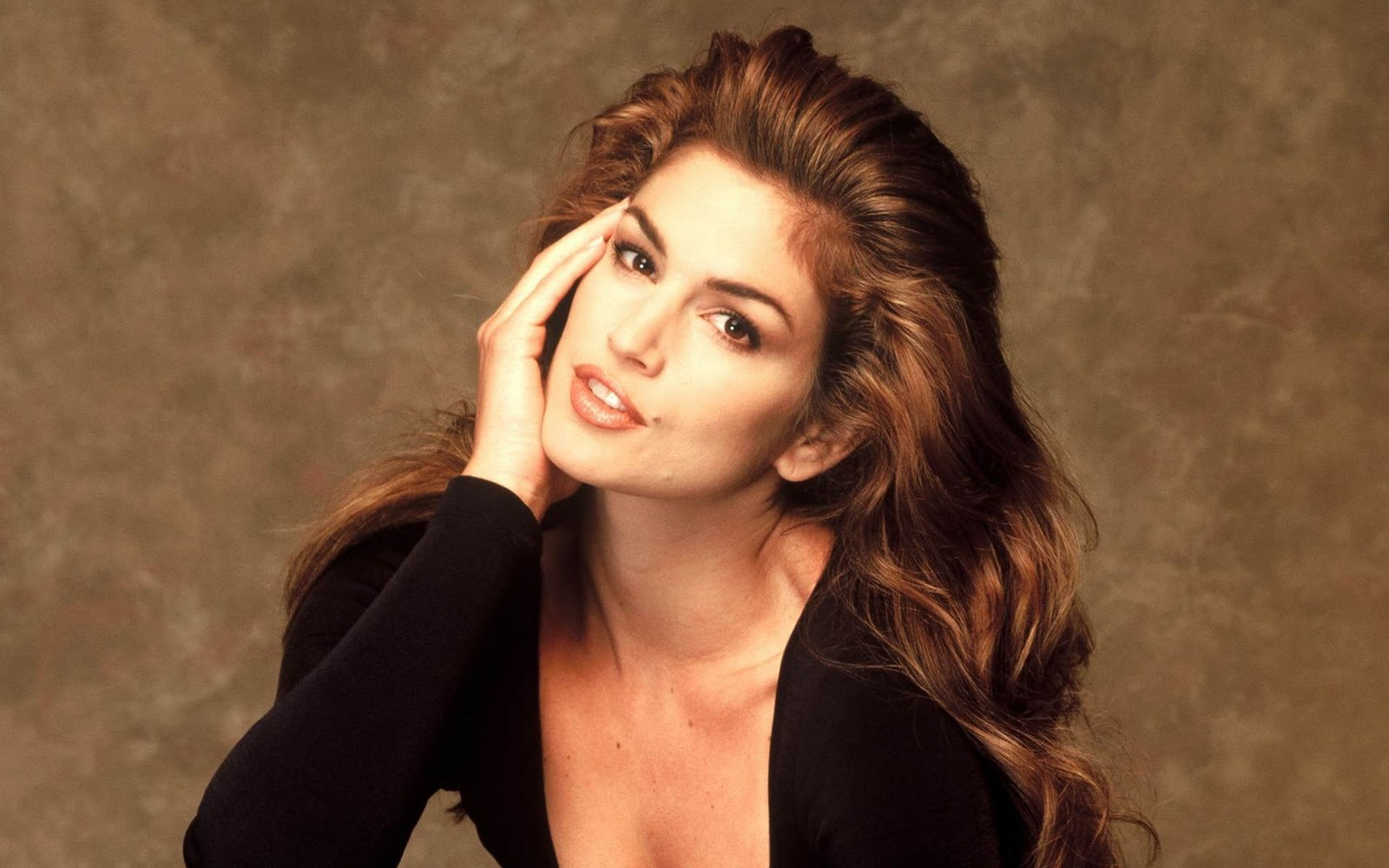 Inspires mi cindy crawford 39 s daughter for young versace for The crawford