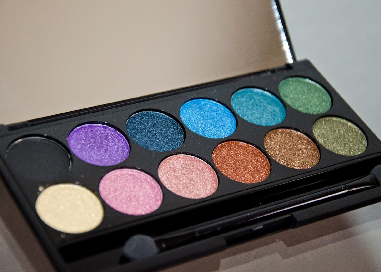 http://blog.gracetakesphotos.com/2014/12/graces-great-gifts-sleek-palettes.html