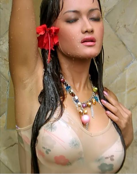 Indonesian Celeb Actress, Super Model Julia Perez