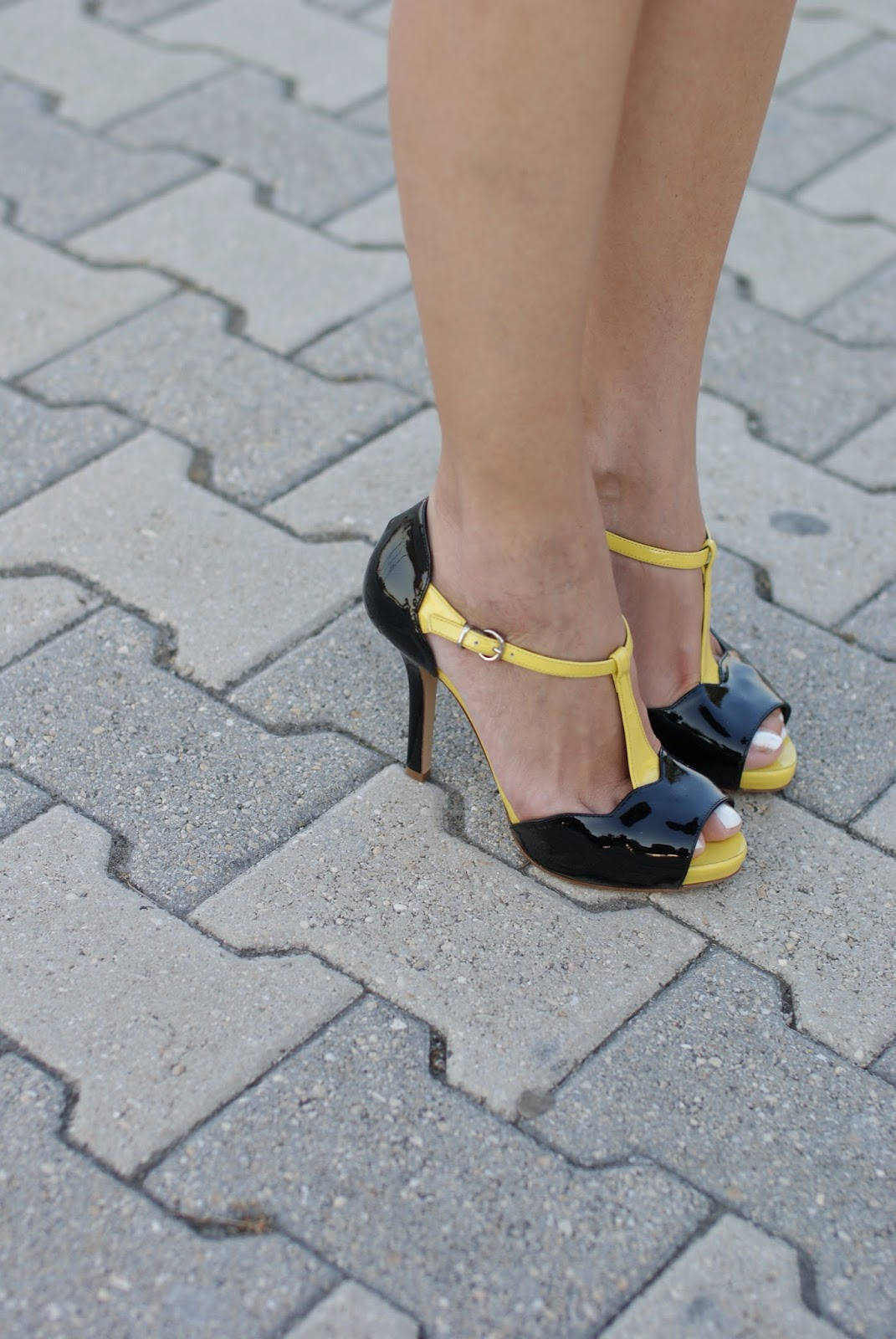Sergio Levantesi shoes, t-bar yellow black sandals, Fashion and Cookies, fashion blogger