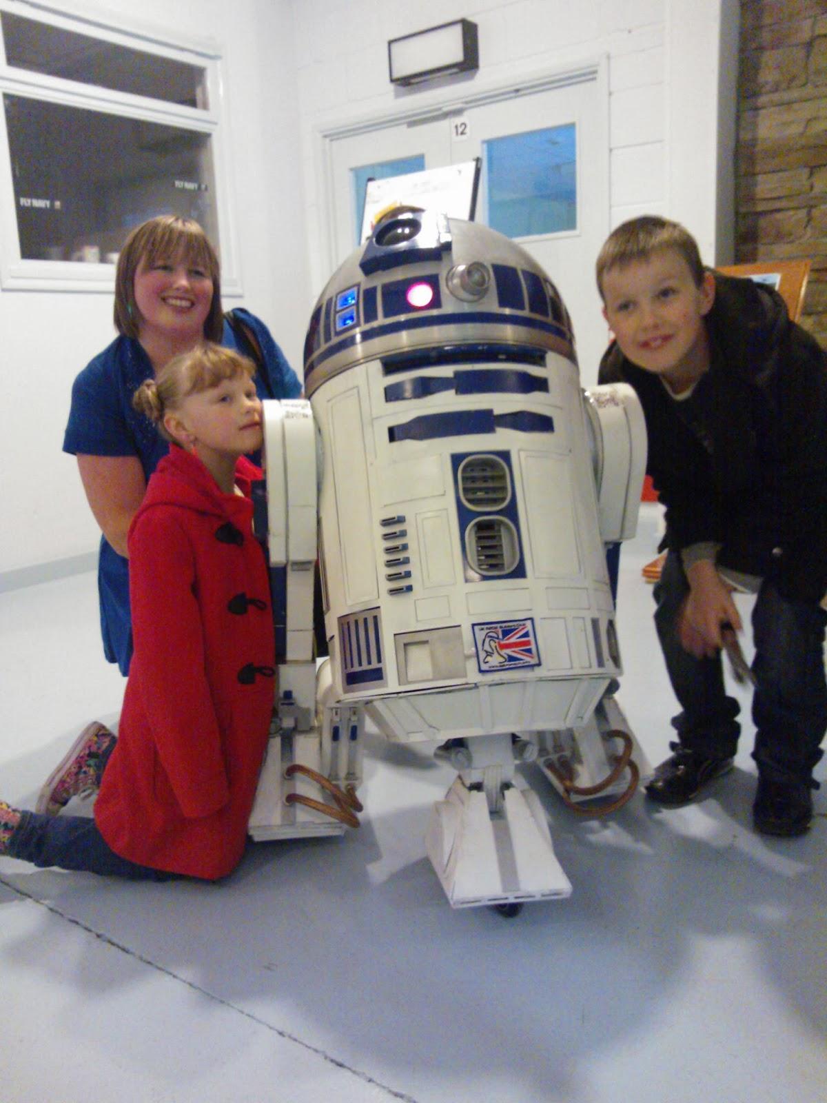 Artoo-jay-zero, R2-D2