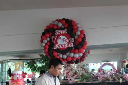 Dekorasi Balon dan Dekorasi Styrofoam