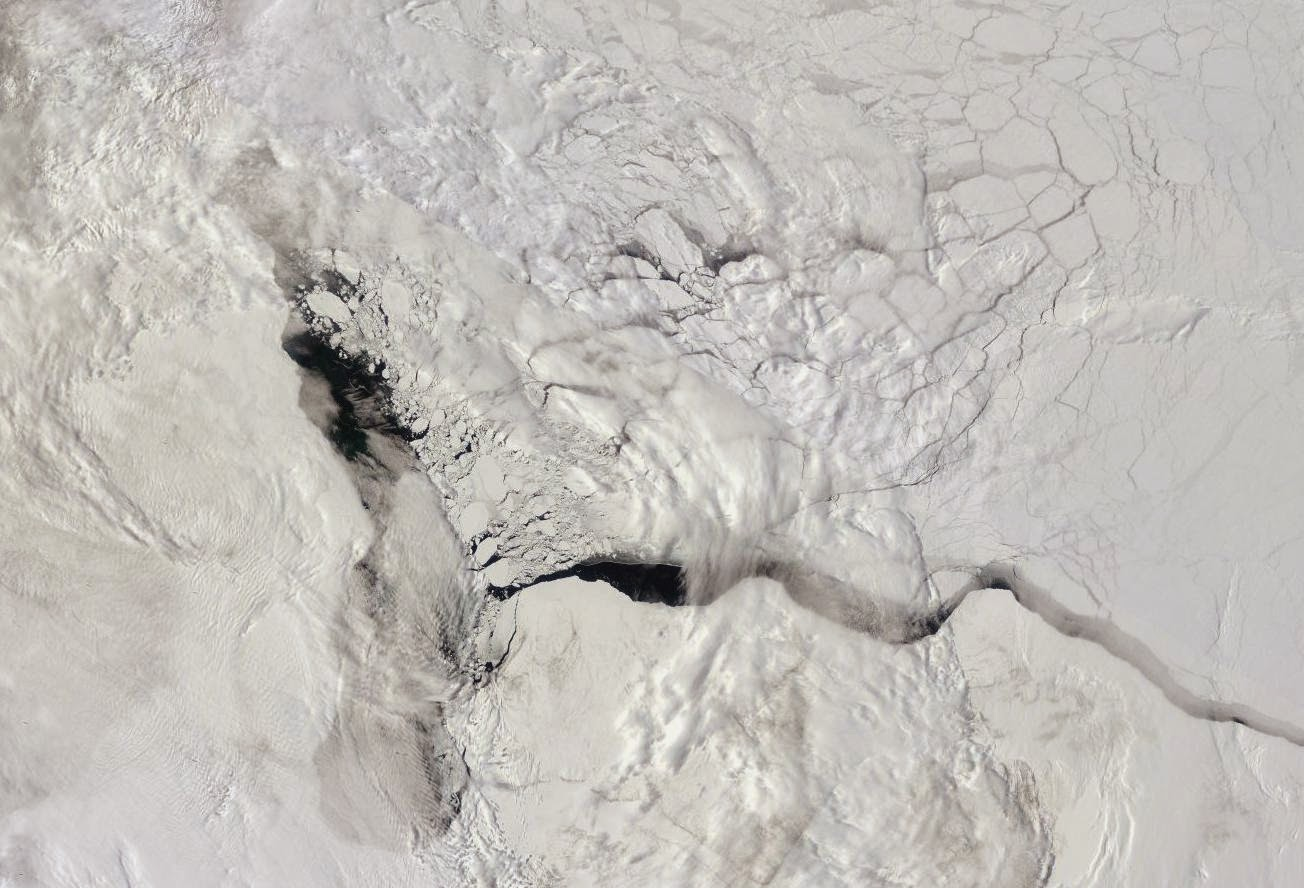 Morze Beauforta - powstająca kra lodowa