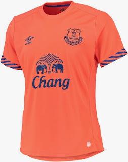 gambar photo kamera Jersey training Everton pertama musim 2015/2016