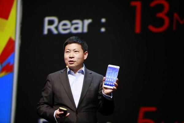 Huawei TalkBand B1, 7-inch MediaPad X1 phablet, 8-inch MediaPad M1 tablet, Huawei, smartphone, tablet
